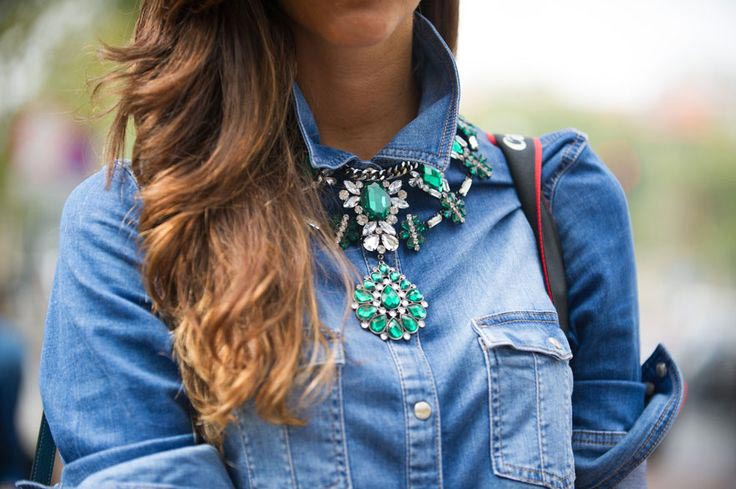 statement-jewellery-2-Statement-necklace-with-denim