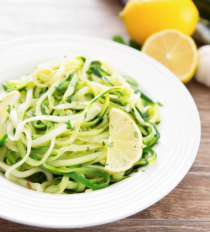 garlic-lemon-zucchini-noodles